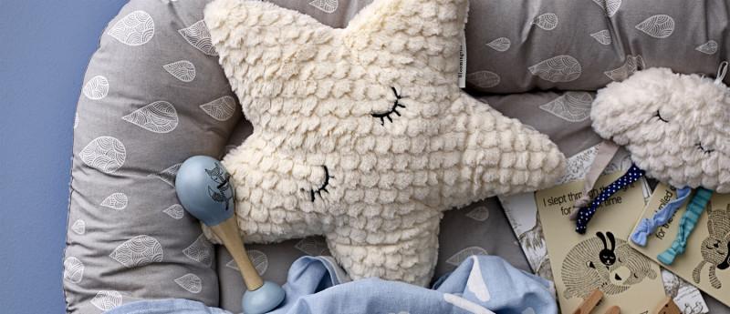 Samtkissen Hase Schmusekissen mit Schlappohren f/ür das Kinderzimmer von Meri Meri