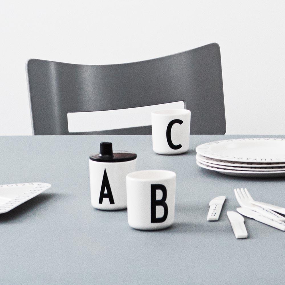 Design Letters Melamin Becher weiß